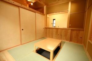 襖を閉めると落ちついた和室になります